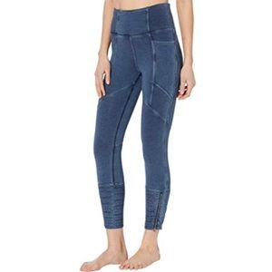 NEW Free People get on it legging in Navy